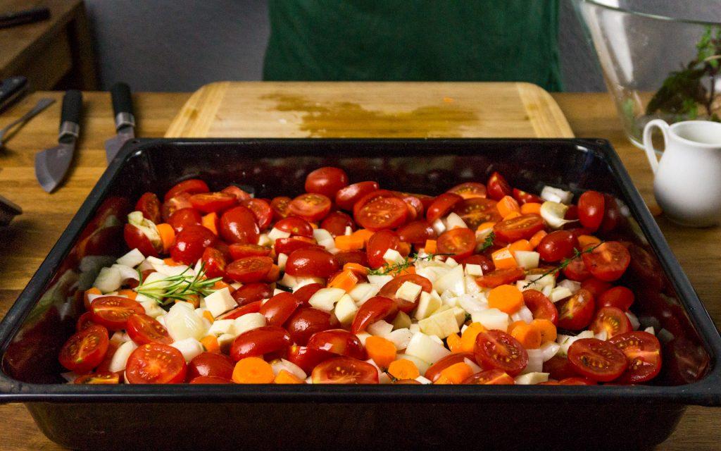 Tomaten auf dem Backblech