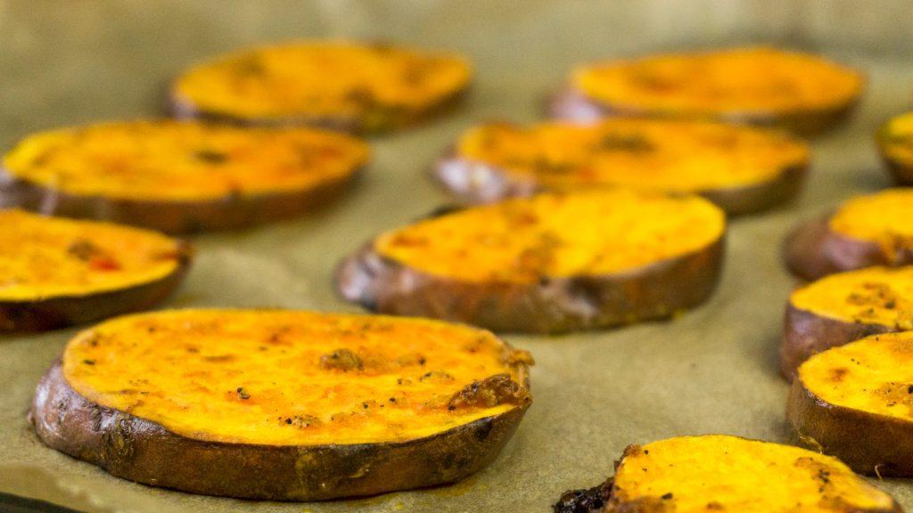 Gebackene Süßkartoffelscheiben