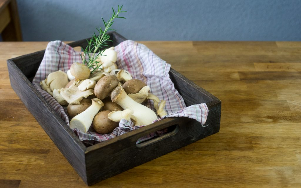 Korb mit Pilzen