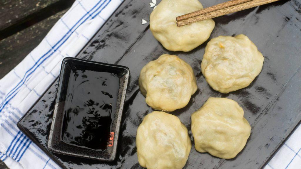 Dumplings mit Sojasoße