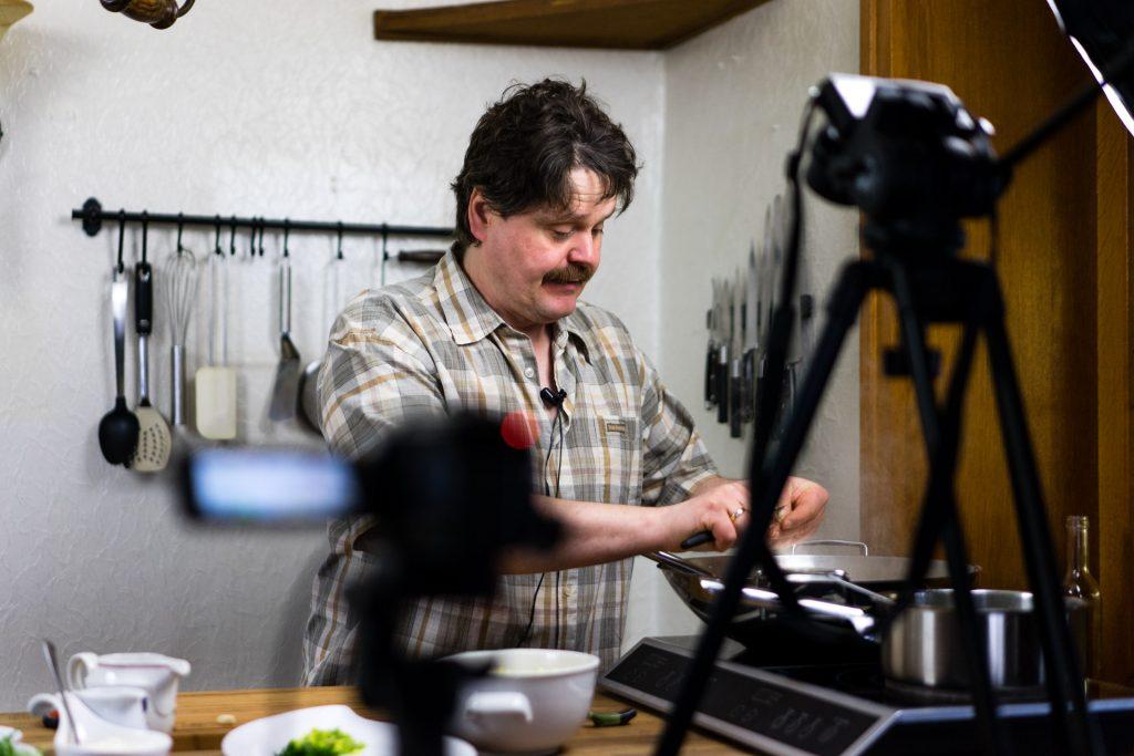 Michael am kochen