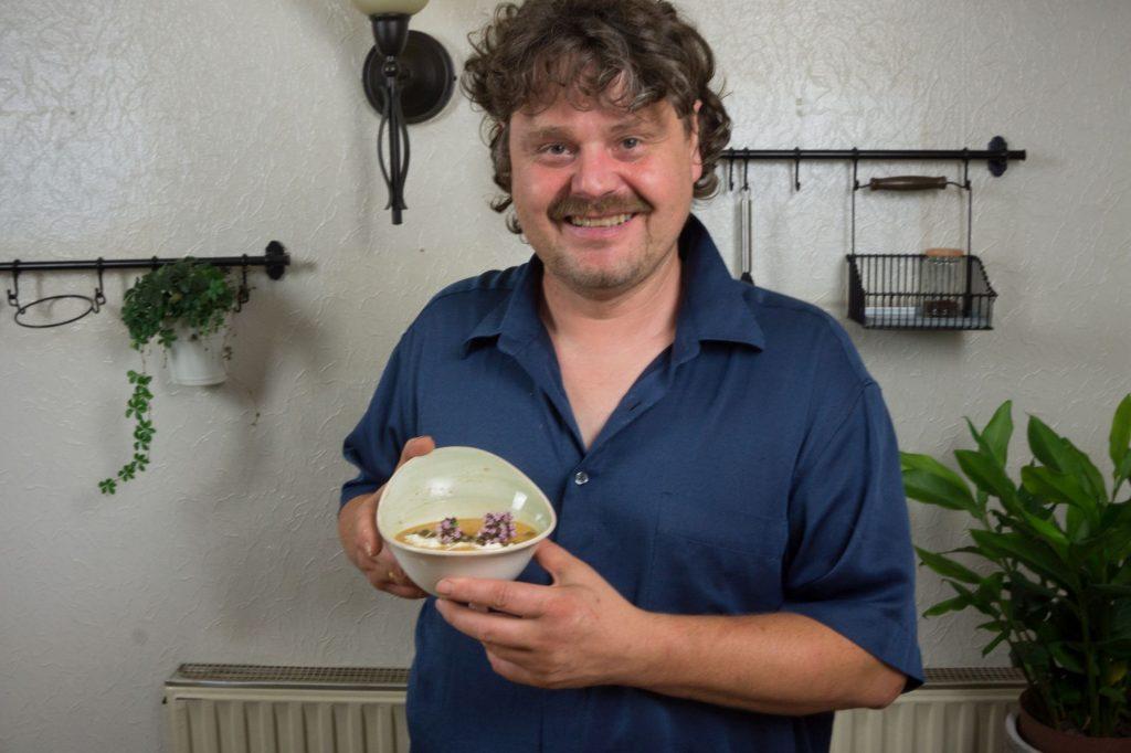 Michael mit Suppe